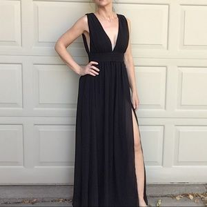 new LULU'S long black sexy gown S